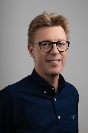 Dr Jeroen Renzema