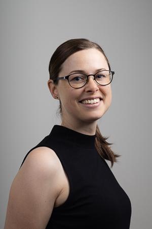 Dr. Caroline Stefens